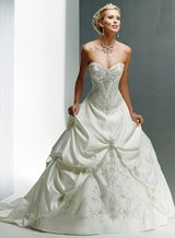 Maggie Sottero Mona Lisa Royale Wedding Dress Sz4 in Camp Pendleton, California