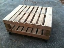 Recycled pallet wood table shelf in Camp Lejeune, North Carolina