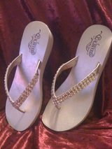 New,Unlisted flip-flops with lots of bling,sz.8.5 in DeRidder, Louisiana